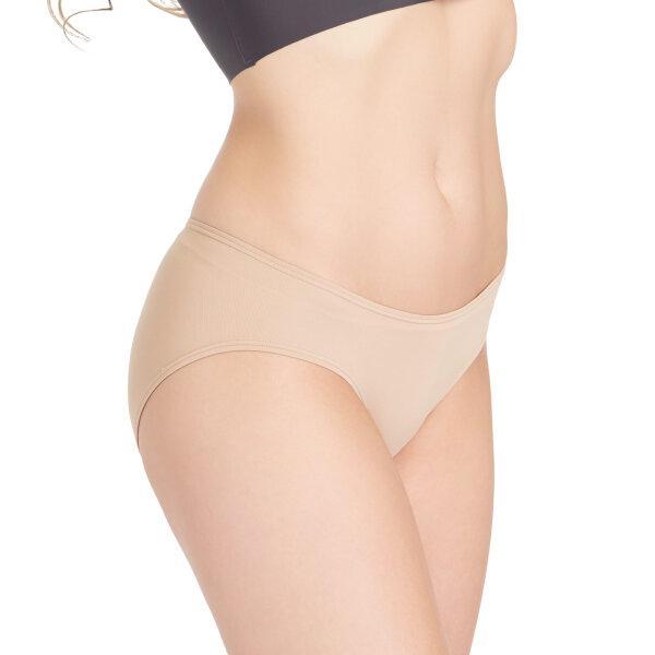 วาโก้ กางเกงในเอวต่ำ บิกีนี (Wacoal Oh my nude Low Rise V - Cut Bikini Panty) รุ่น WU2458 Set 3 ชิ้น สีโอวัลติน (OT)