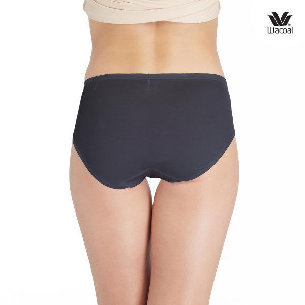 Wacoal Half Panty กางเกงในรูปแบบครึ่งตัว เซ็ต 3 ชิ้น รุ่น WU3722 สีดำ (BL)