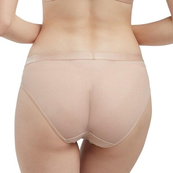 Wacoal Natural Fit Panty  รุ่น W65P82 สีเบจ (BE)