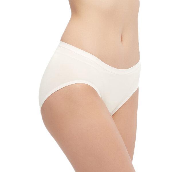 วาโก้ กางเกงในไร้ขอบ ครึ่งตัว (Wacoal Oh my nude Hygieni Panty) รุ่น WU5202 Set 3 ชิ้น สีครีม (CR)