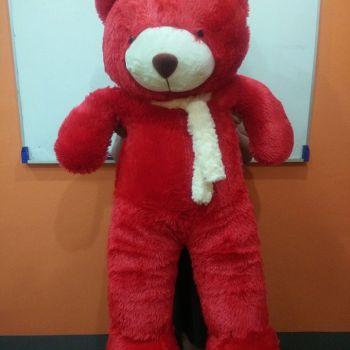 ตุ๊กตาหมีตัวใหญ่สีแดง ผ้าฟันคอสีขาว