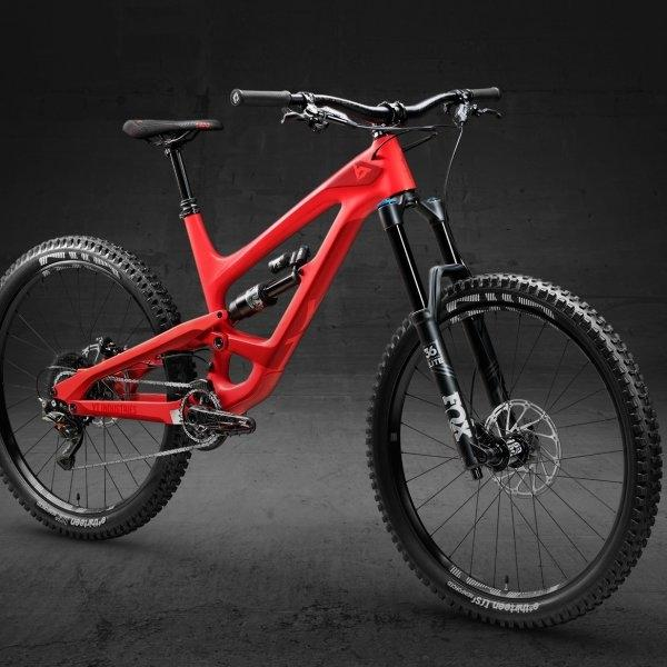 YT CAPRA 27 CF PRO - BLOOD RED/GORE RED (2018 MODEL)