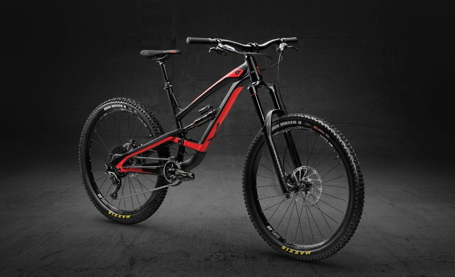 2018 YT CAPRA 27 AL COMP - BLACK PEARL / BLOOD RED SIZE S