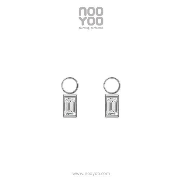 (30965) Charm - Baguette Cubic Zirconia Surgical Steel (ไม่รวมต่างหูห่วง)