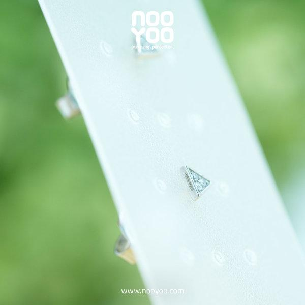 (30870) ต่างหู Tiny Triangle with Crystal Surgical Steel
