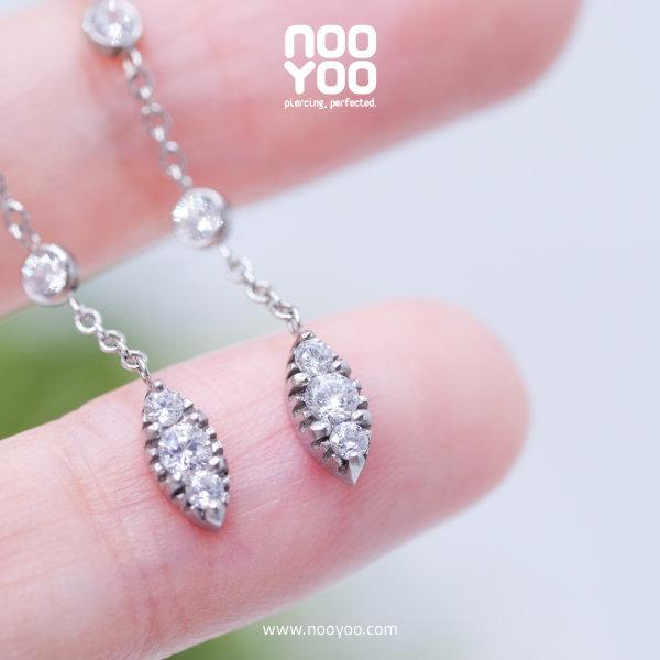 (30881) ต่างหู Sleek Cubic Zirconia Surgical Steel