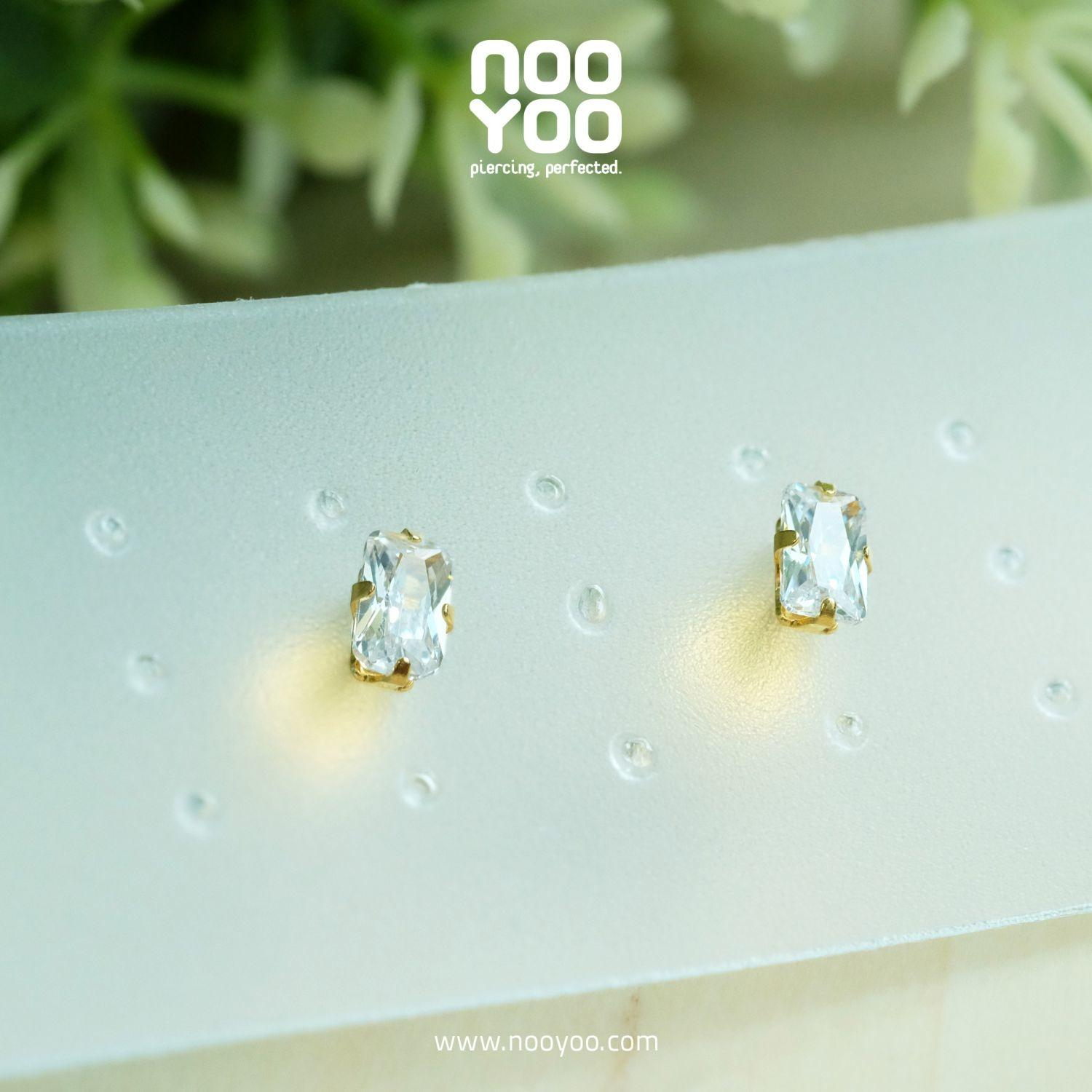 (30098) ต่างหู Cubic Zirconia 5x3mm Gold Plated
