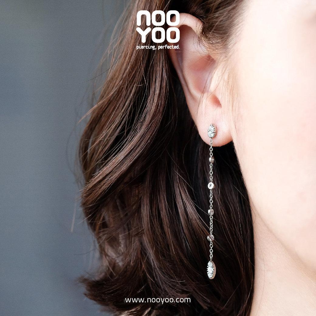 (30881) ต่างหู Sleek Cubic Zirconia Surgical Steel