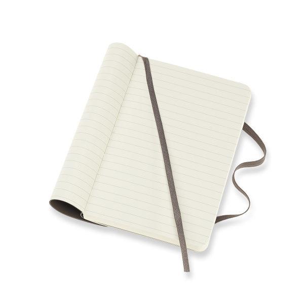 Moleskine สมุดบันทึก ปกอ่อน สีน้ำตาล ขนาดเล็ก 9x14 ซม MOLESKINE NOTEBOOK POCKET SOFT COVER E.BROWN 9X14 CM