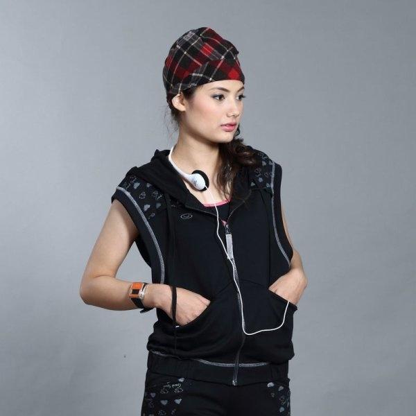 เสื้อคลุมแขนกุดมีฮู้ด (สีดำ) รหัสสินค้า : 028856