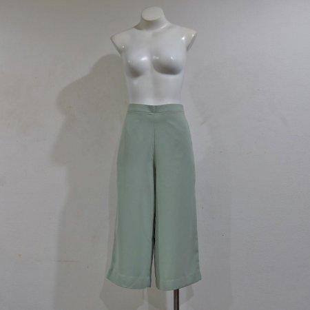 กางเกงสามส่วนขาบานสีเขียวมิ้นท์