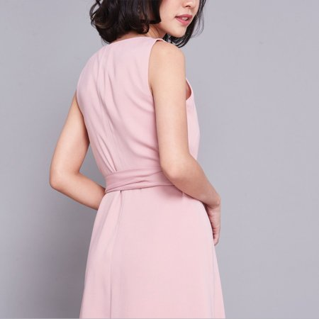 เสื้อคลุมสีชมพู