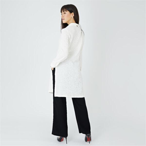 Lofficiel Long Shirt ลอพฟิเซียล เชิ้ตทรงยาวใส่ทำงาน เนื้อผ้าสแปนเด็กซ์ สีขาว FV8BWH