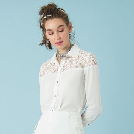 เสื้อเชิ้ตผู้หญิงทรงสุภาพ สีขาว ดีเทลผ้าตาข่ายช่วงคอ เพิ่มความโปร่ง | Jousse