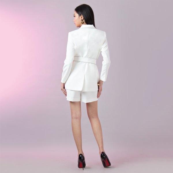 เสื้อแจ็คเก็ต เบลเซอร์ ตัวยาว ทรงโมเดิรน์ สีขาว | Jousse JS12WH