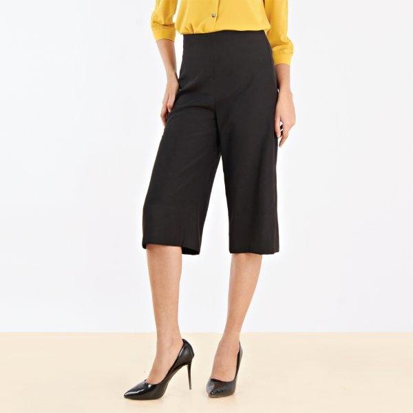 กางเกงสีดำขาบาน 4 ส่วน   Jousse
