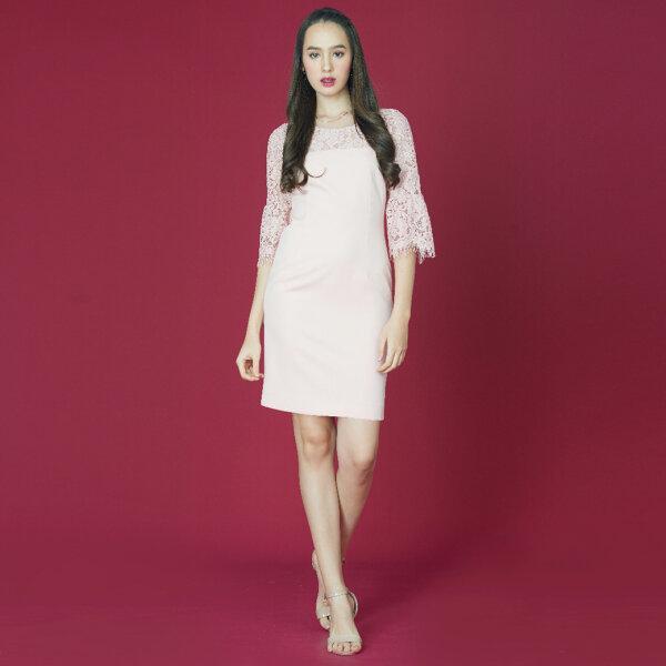 Jousse Dress ชุดเดรส เดรสลูกไม้หวานสีชมพู ทรงสอบเข้ารูป JWJ1PI