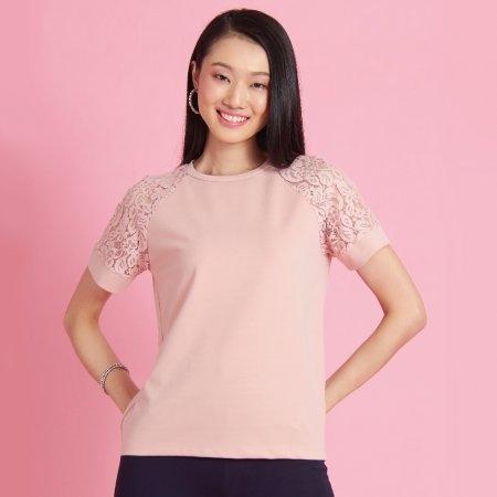 เสื้อผู้หญิงคอกลม สีชมพู สุดหว่าน ตกแต่งลูกไม้ | Jousse