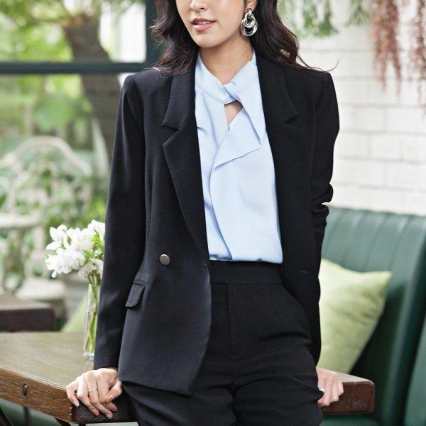 Jousse Jacket เสื้อแจ็คเก็ตสีดำ เบสิค ทรงสุภาพ ตกแต่งกระดุม
