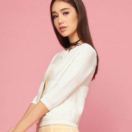 เสื้อคลุมแฟชั่น คาร์ดิแกน ตัวสั้น สีขาวผ้ายืด | Jousse