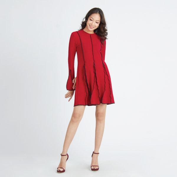 Jousse Dress ชุดเดรสสีแดง แขนยาว ปลายแขนกระดิ่ง เข้ารูป กระโปรงทรงเอ