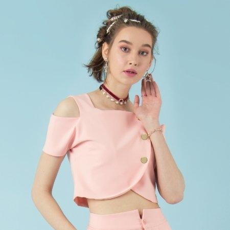 เสื้อผ้าแฟชั่น เสื้อครอปตัวสั้นโชว์ไหล่ สีโอโรส | Jousse