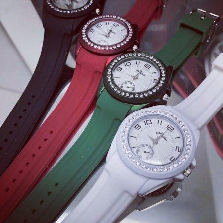 #191 นาฬิกาสายยางซิลิโคนเนื้อนิ่มใส่สบายล้อมคริสตอล สีขาว White