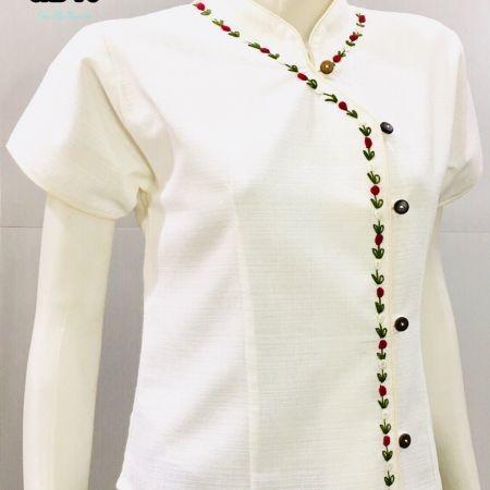 เสื้อผ้าฝ้ายซินมัย-ปักกุหลาบ-แขนสั้น-สีขาว