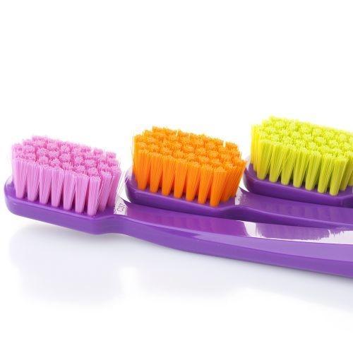 แปรงสีฟันทั่วไป Curaprox CS 5460 ด้ามสีม่วงเข้ม