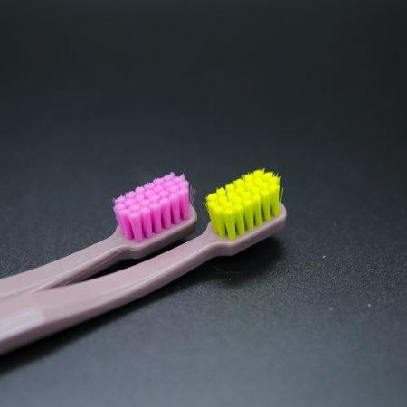 แปรงสีฟันสำหรับเด็กโต Curaprox CS SMART ด้ามสีน้ำตาล