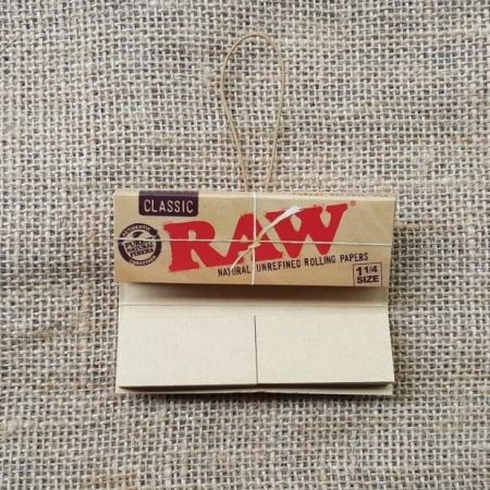 กระดาษมวน RAW Classic Connoisseur 1 1/4 & Tips - 50 Leaves