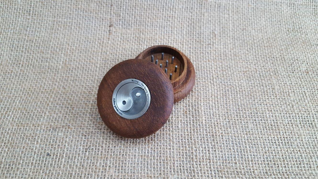 เครื่องบด Tobacco Teak Wood Grinder - Ying & Yang