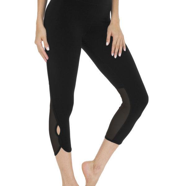 Queenieke : กางเกงออกกำลังกาย Running Capri (สี ดำ - Black)