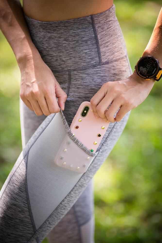 Queenieke : กางเกงออกกำลังกาย Running Capri (สี เทา - Space Dye Grey)