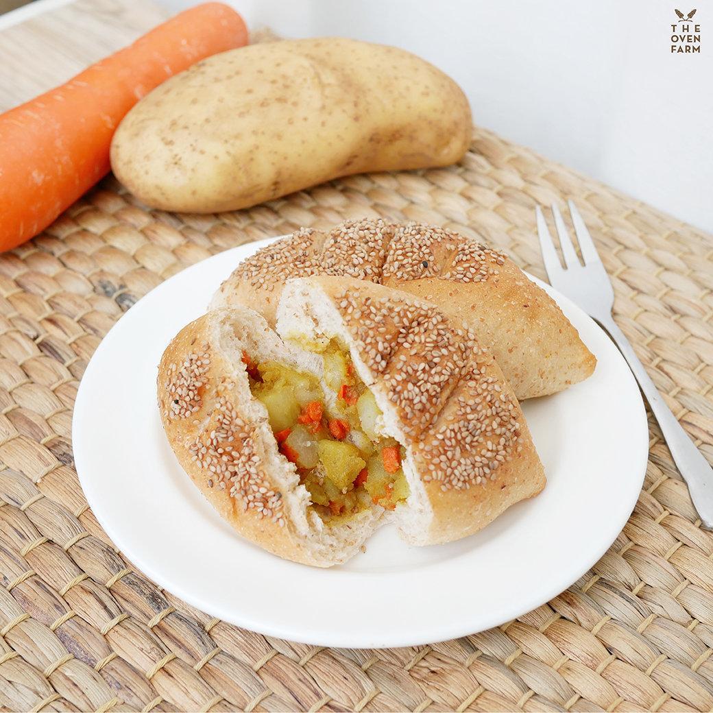 บันโฮลวีทไส้มันฝรั่งแครอทผัดผงกะหรี่