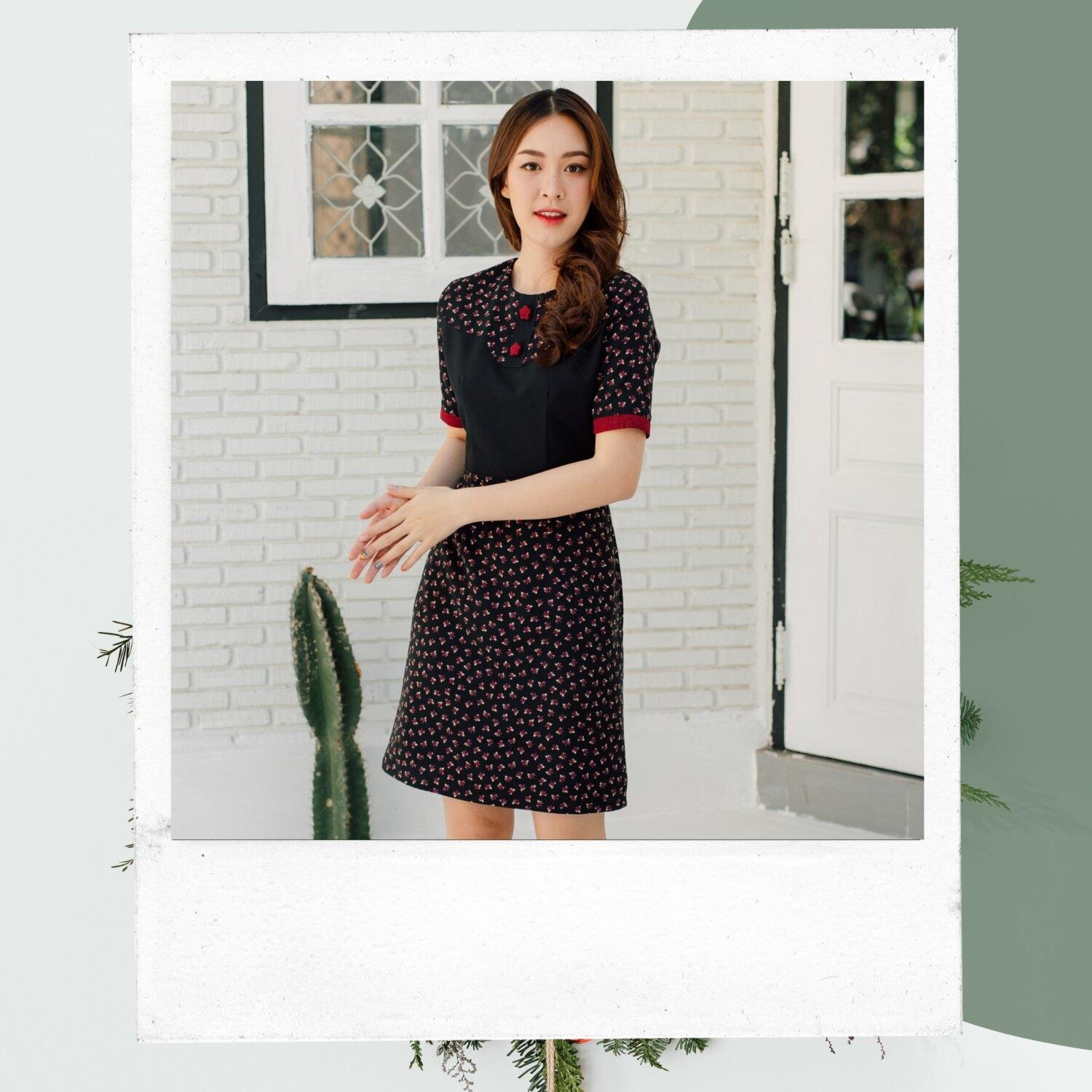 Nami Star Button Floral Dress