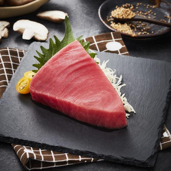 HORECA TUNA STEAK เนื้อปลาทูน่าตัดสเต็ก 6 OZ. 170 G/ PC ยกลัง 5 Kg. (10400065)