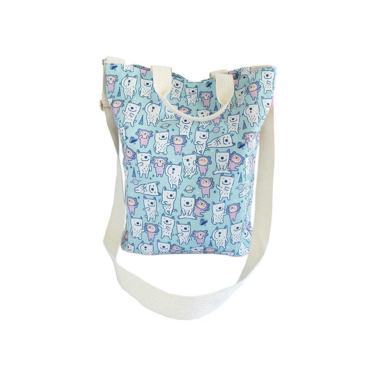 สวีทซัมเมอร์ : กระเป๋าผ้าแคนวาส แบบ สะพายข้าง : ลาย มาจอรี่ : TB1903