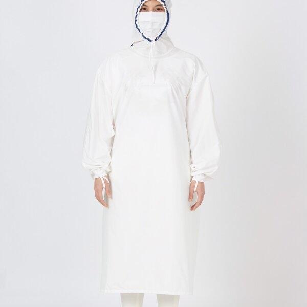 เพื่อทันตแพทย์ 1.2  ชุดคลุมกันน้ำแบบมีหมวก สีขาว กุ๊นน้ำเงิน MG01 12 WHNV