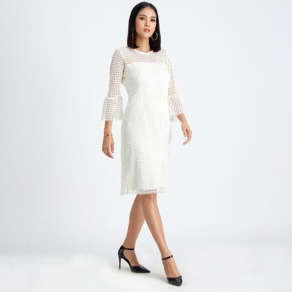 Guy Laroche Luxury Lace Curvy Dress เดรสลูกไม้ เดรสใส่ทำงาน เดรสสีขาว กีลาโรช GUAAWH