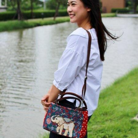 กระเป๋าสะพายข้างผ้าทอ 2 ช่อง (No.10)  (ขอบสีแดงจุดขาว-สายน้ำตาล)